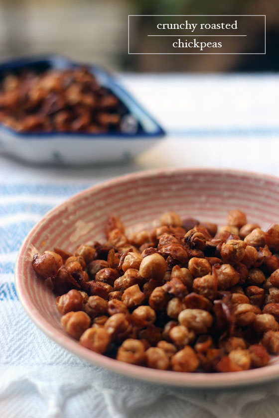 crunchy-roasted-chickpeas-Little-Green-Dot